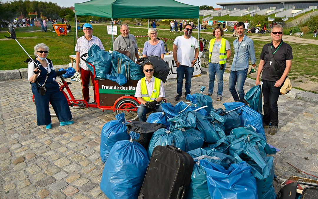 World Cleanup Day im Mauerpark